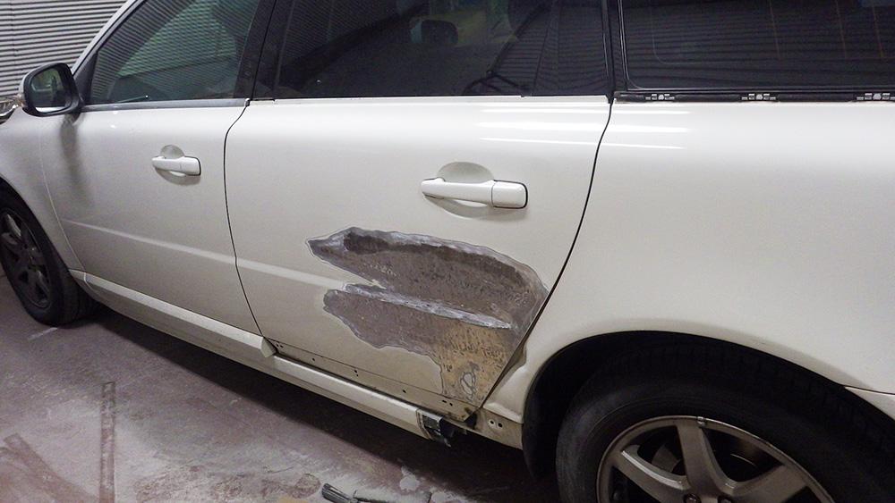 ドア修理とフェンダー板金
